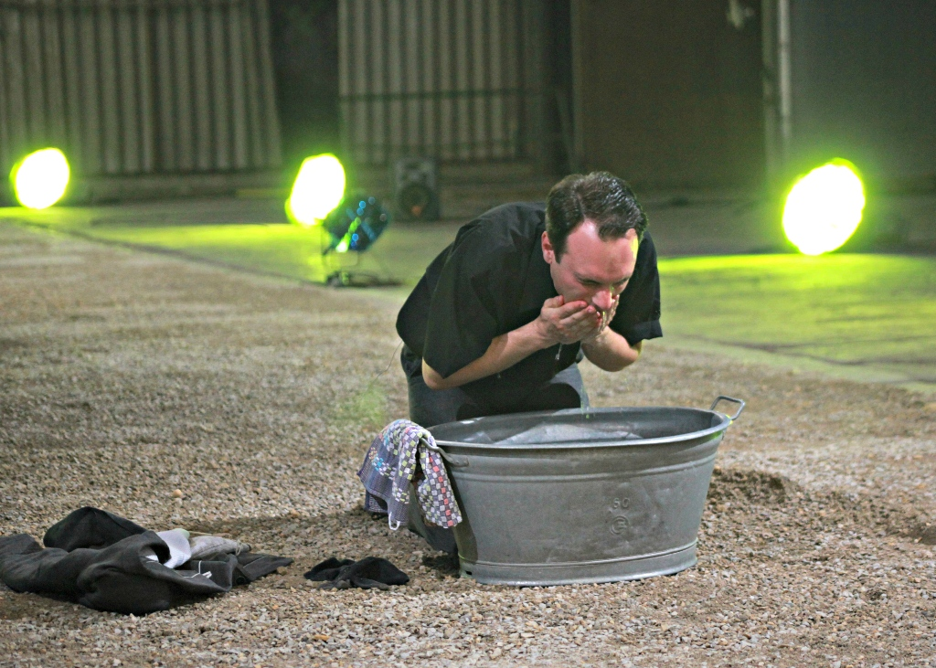 Veranstaltungstechnik für Theater mit Bühnenbeleuchtung und Effektbeleuchtung